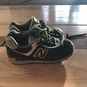 Toddler boys 9.5 new balance shoes